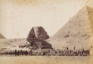 Anonymous, Scottish soldiers at The Sphinx in Giza, ca. 1882. Courtesy of the Collection Wouter Deruytter.