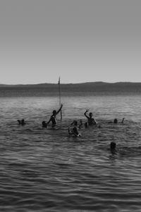 Shake at the sea