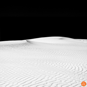 White Sands, Lines