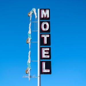 Diving Lady Motel