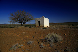 Karoo architecture / A small building in the Tankwa Karoo, maybe used in the past as a dwelling by shepherds