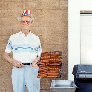 Hot dog man, from the series Sun City © Peter Granser