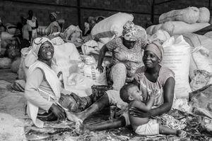 Women Workers.Manioc flour sellers