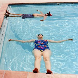 Couple in a pool, from the series Sun City © Peter Granser