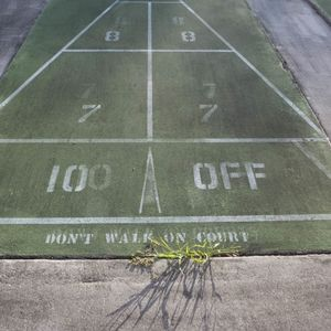 don't walk on court