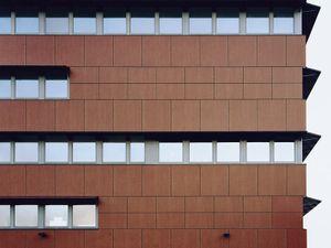 Almere #42, 2007, c-print, 100x129 cm  © 2013 Matthias Hoch/ VG Bild-Kunst Bonn