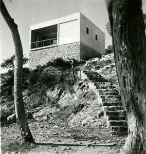 Casas de fin de semana en la costa del Garraf, Barcelona, 1935 © Margaret Michaelis, courtesy of Museo ICO and PHoto Espana