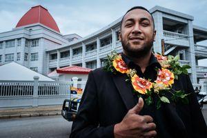 Singer of Tonga-1