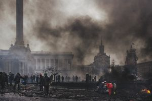 First victims of snipers were moved from the place where the fire began, and to provide medical care on Maidan. Feb, 20, 2014
