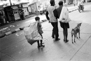 © 2014, Stephen Shames — Bangladesh. Collects trash.