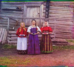 """Peasant Girls, Russia, 1909 © Sergei Mikhailovich Prokudin-Gorskii, from the book """"Nostalgia"""". Images courtesy US Library of Congress and Gestalten publishers, Berlin."""