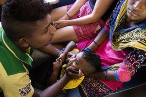 Family, Train ride, Sri Lanka
