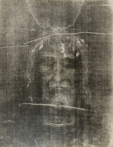 Le Saint Suaire de Turin, negative image. Enlargements by Paul Vignon from photographs taken by Giuseppe Enrie (1931-1933 © Institut Catholique in Paris