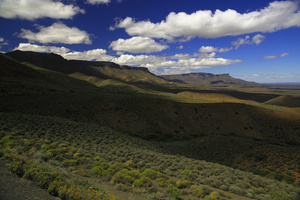 Bloukranspas / Bloukrans Pass, on the untarred road from Calvinia to Ceres, offers breathtaking views on the Tankwa Karoo, the region between the Cederberg and the Great Karoo.