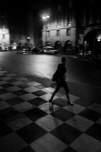 On the road, Paris lady