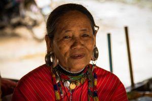 Local Woman, Karen Long Neck Village, Chiang Rai (4/2017)