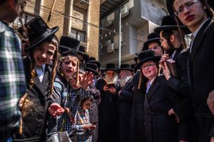 Visit of the Rebbe at the burning of Chametz