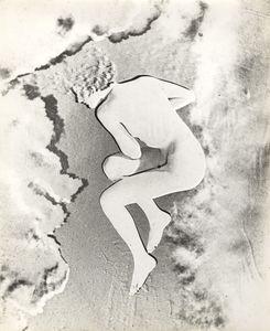 Nude (Lisette) Paris, 1937. Gelatin silver print, negative print, solarization. Vintage print. Collection Yvette Blumenfeld Georges Deeton / Art + Commerce, New York, Gallery Kicken Berlin, Berlin © The Estate of Erwin Blumenfeld
