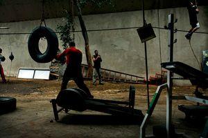1st prize Sports Features Stories, © João Kehl, Brazil, Cia de Foto, Boxing gym, Sao Paulo