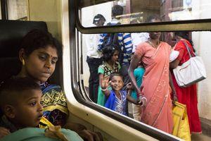 Sincere as children, At the train station, Sri Lanka