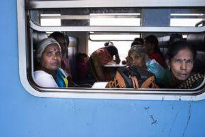 Women in the train, Sri Lanka