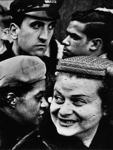 4 têtes, New York 1955, © William Klein