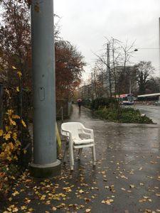 chaises blanches-Servette