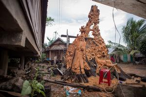 M'Nong sculpture in Dak Lak Province