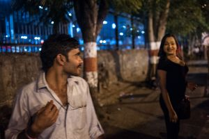 Muskan tries to attract customers near Thane Station in Mumbai  © Alison McCauley