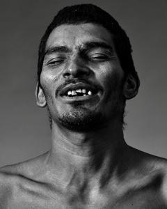 Jorge, 33