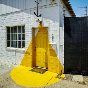 door, Ventura.