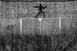 The fence, 2013 © Guillaume Martial