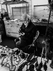 El viejo del mercado de las pulgas