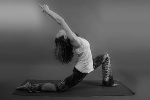 Vicky Yoga 2