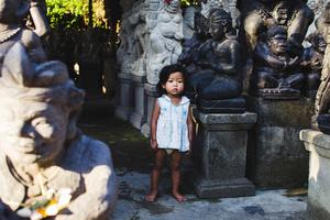 Life between sculptures