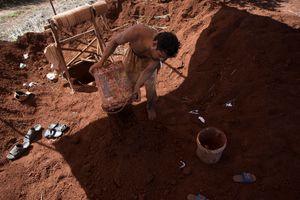 Cambogia, minatori del XXI secolo
