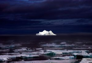 Iceberg in the Midnight Summer - © Adel Korkor