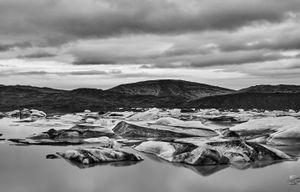 Ice Lagoom monochrom 1