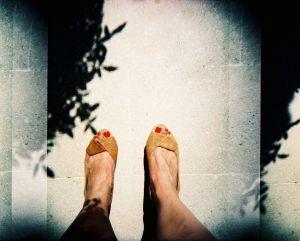 Footloose shadows