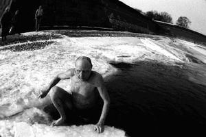 Sunbathers / 6 (1998)