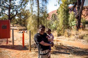 Uluṟu (Ayers Rock), Francine Kulitja, 34, is an artist of Mutitjulu community.