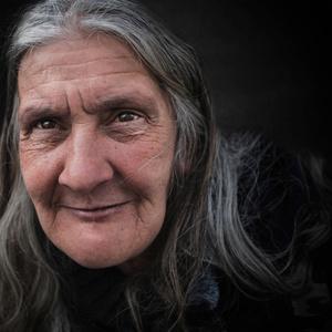 Patrizia, (l'età alle donne non si chiede) - (Italia)