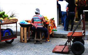 La vendedora de mangos y cocos