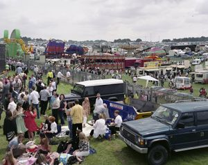 Derby Day, Epsom Downs Racecourse, Surrey, 7 June 2008 © Simon Roberts