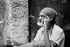A glimpse of Cuba 10-Aged cigar smoker