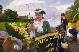 Petts Wood May Queen Group at Pratts Bottom, 2009 © Peter Marshall
