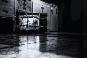 TV © Cecil B