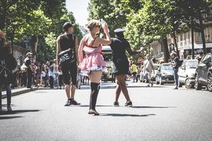 DANCING WALK