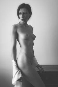 Kate Snig V