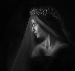BLACK VEILED BRIDE